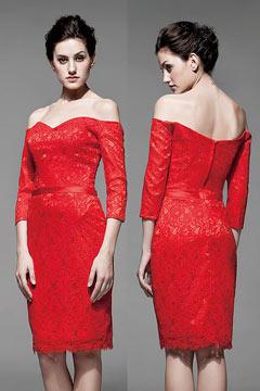 Robe rouge en dentelle courte aux genoux avec manches