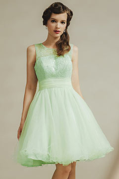 Modern Green Tulle Knee Length Scoop Ruching Formal Gown