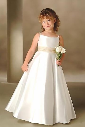 robe de c r monie fille princesse bretelle spaghetti en satin. Black Bedroom Furniture Sets. Home Design Ideas