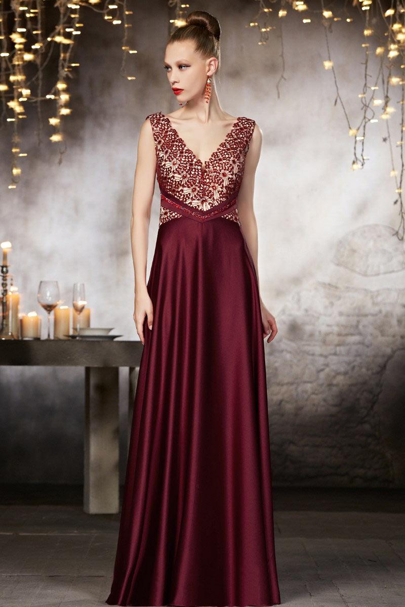 robe de soir e bordeaux col v avec dentelle d licate sur. Black Bedroom Furniture Sets. Home Design Ideas