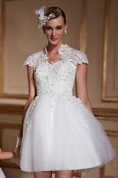 Coco Robe de mariée courte princesse avec faux boléro en dentelle appliquée