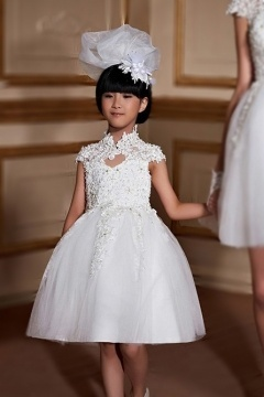Robe cortège fille princesse col montant en dentelle guipure