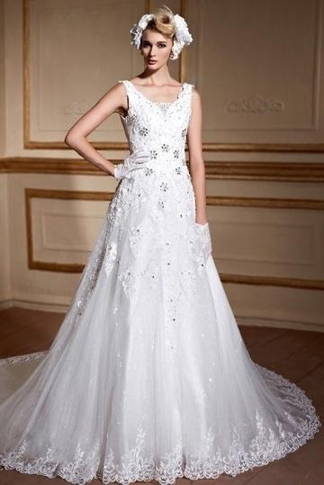 Extravagant A-Linie V-Ausschnitt Spitze Ärmellos Brautkleider mit Kapelle Schleppe Persunshop