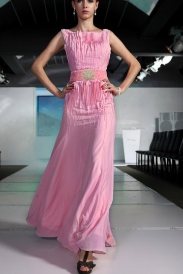 único Vestido de Noche de Lyocell Rosa con Escote Barco Sin Mangas escotado por detrás Corte Recto