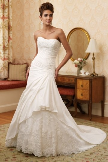 A line Sweetheart Royal Train Lace Wedding Dress