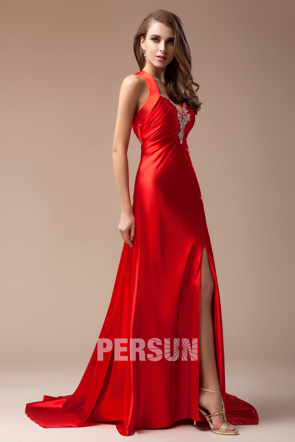 robe de soir e rouge sexy col v avec ouverture frontale. Black Bedroom Furniture Sets. Home Design Ideas