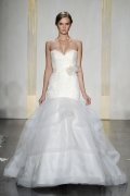Sweetheart Court Train Lace Wedding Dress