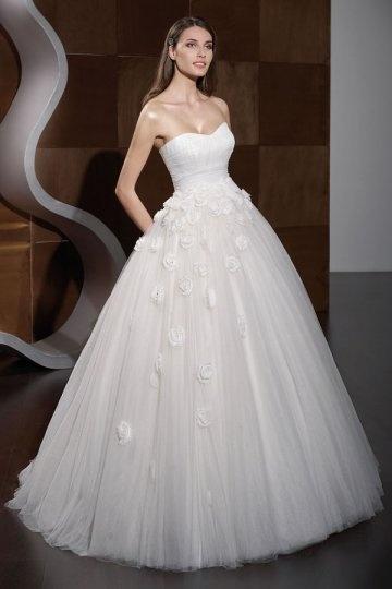 A line Strapless Sweetheart High Waist Applique Wedding Dress