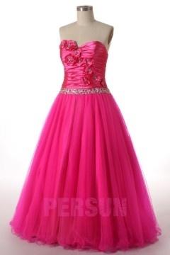 Robe pour bal de mariage rose fuchsia coupe princesse bustier fleuri