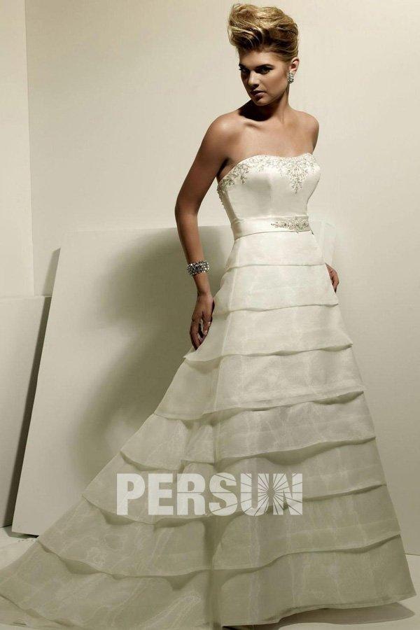 A-linie Ivory Trägerloser Ausschnitt Pinsel-Schleppe Perle Brautkleid aus satin mit plissiertem Lagendesign