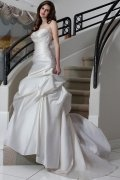 Sweetheart Pleated Court Train Satin Wedding Dress