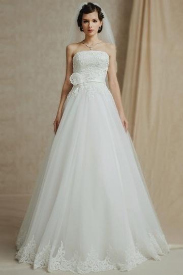 Elegantes Bodenlanges Trägerloses A-Linie ivory Brautkleider aus Tüll Persun
