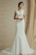 Vintage Trumpet Scalloped Ivory Lace Chapel Train Wedding Dresses