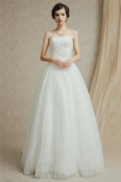 Robe de mariage forme trapèze bustier cœur à traîne détachable