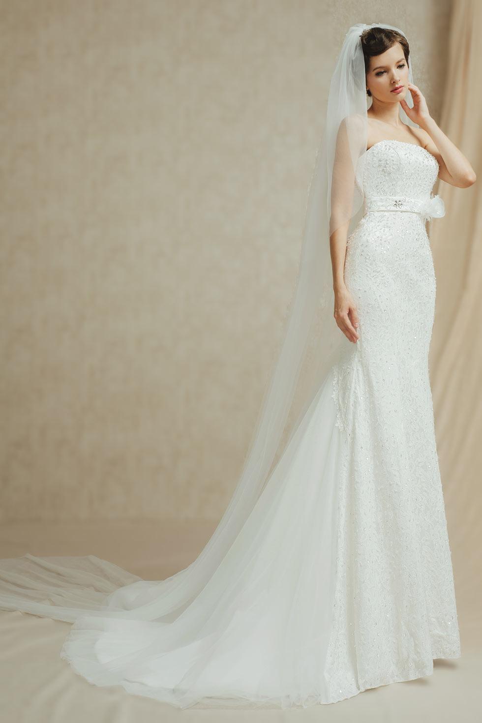 Chic white ivory Mermaid Lace Strapless Chapel Train Wedding Dress With Sash