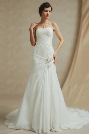Schlichtes A-Linie Herz-Ausschnitt Brautkleider aus Chiffon Persun