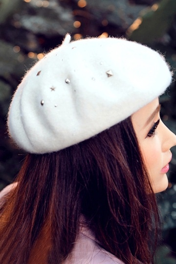 Sweety Woolen Beret with Rivets in White