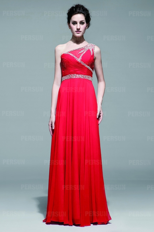 A linie langes gefaltetes rotes chiffon rmelloses for Rotes abendkleid lang