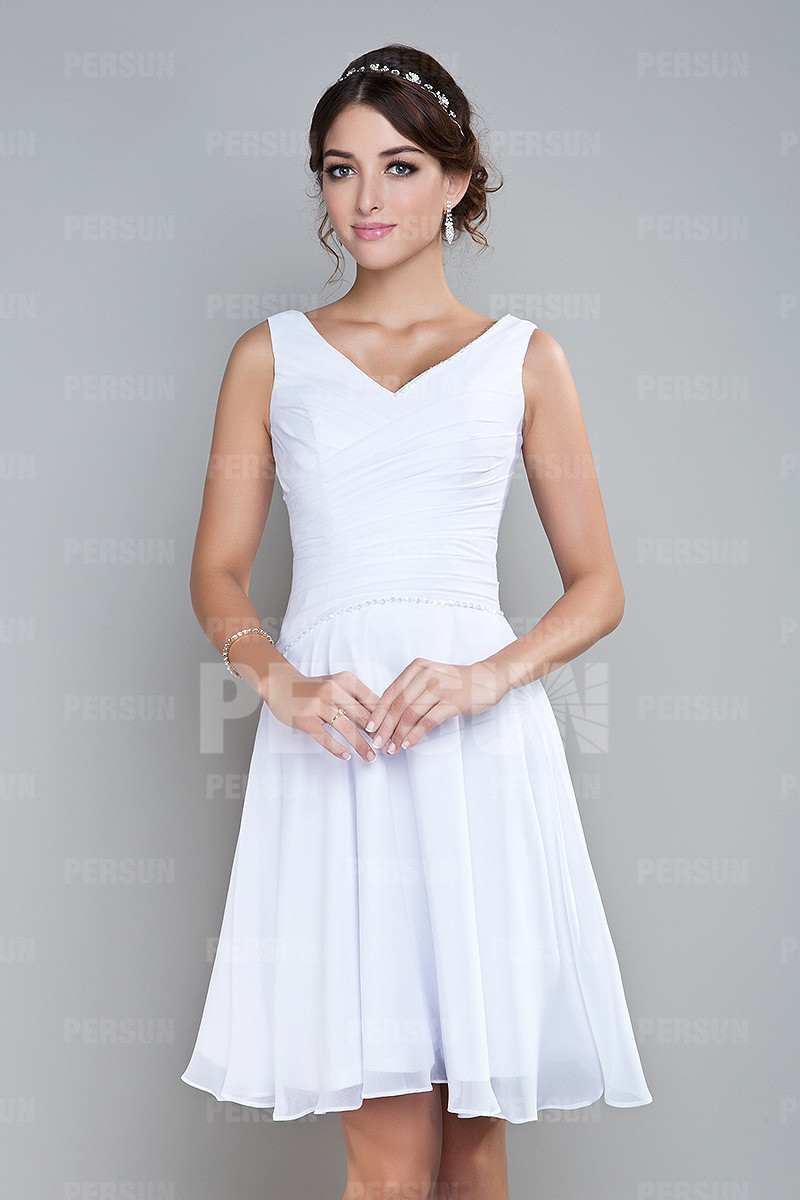 V-Ausschnitt A-Linie weiß Ruching Schultergurte Brautjungfernkleid aus Chiffon