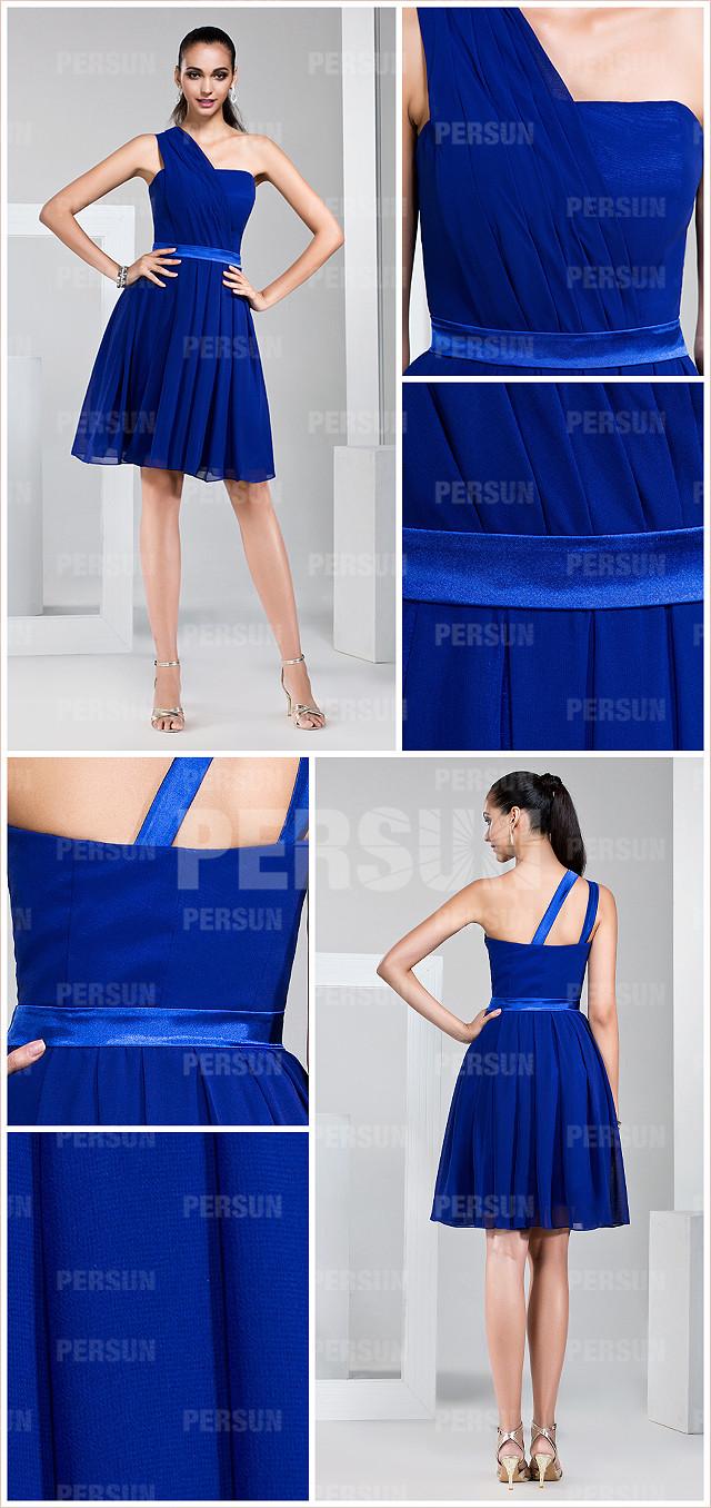 Robe asymétrique bleu courte taille ceinturée en satin pour mariage
