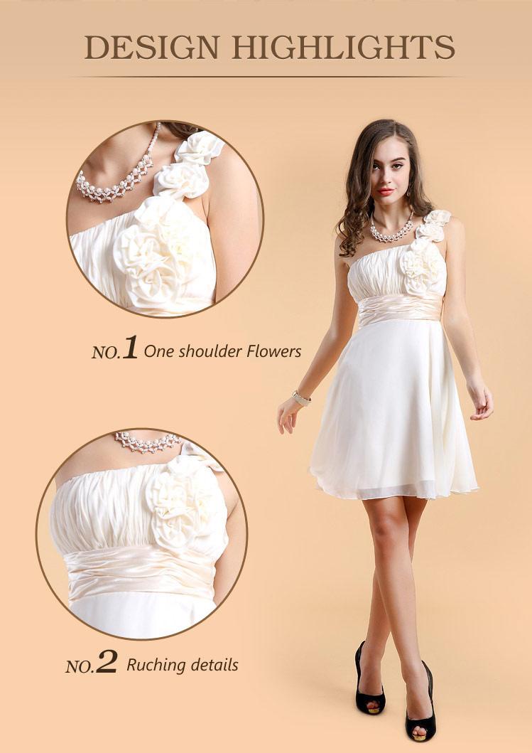 Chic robe asymétrique blanche courte empire plissée fleurs