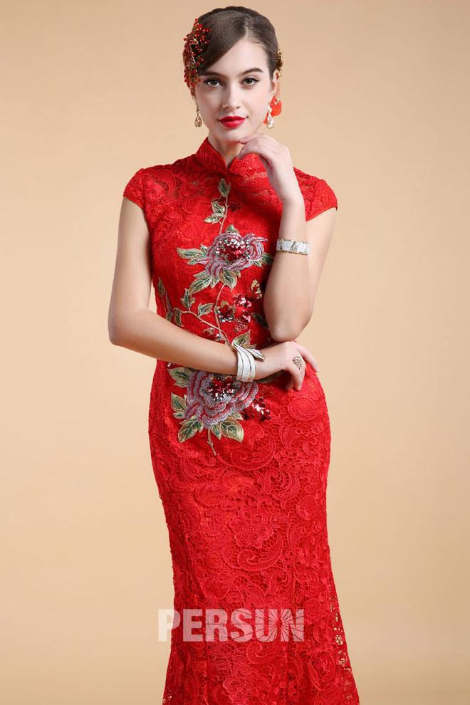 Robe chinoise rouge dentelle