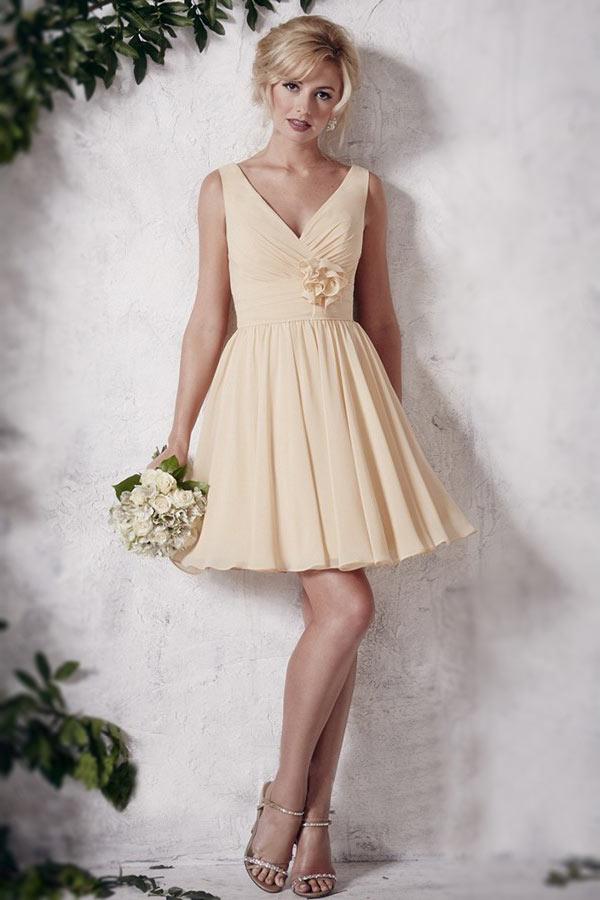 robe demoiselle d'honneur jaune courte plissé & orné de fleur