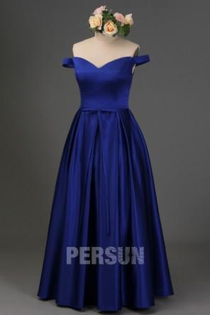 Robe bleu longue pour gala épaule dénudée en satin