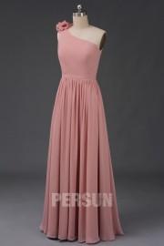 Einschulter langes Kleid mit blassrosa Blüte für Brautjungfer