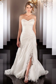Beautiful Sweetheart Organza Side Split Sweep Train Wedding Dress