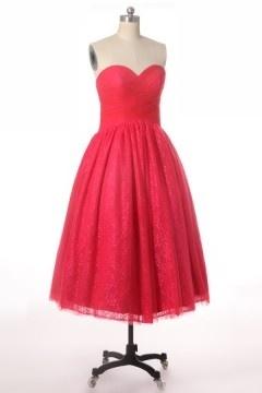 Romantique robe rouge mi-longue vintage bustier cœur plissé