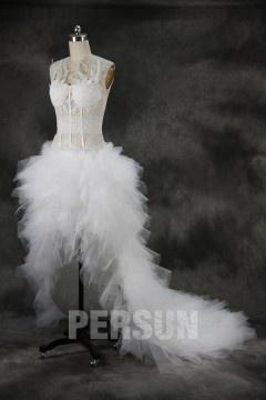 Robe de mariée fantaisie courte devant longue derrière bustier plumetis