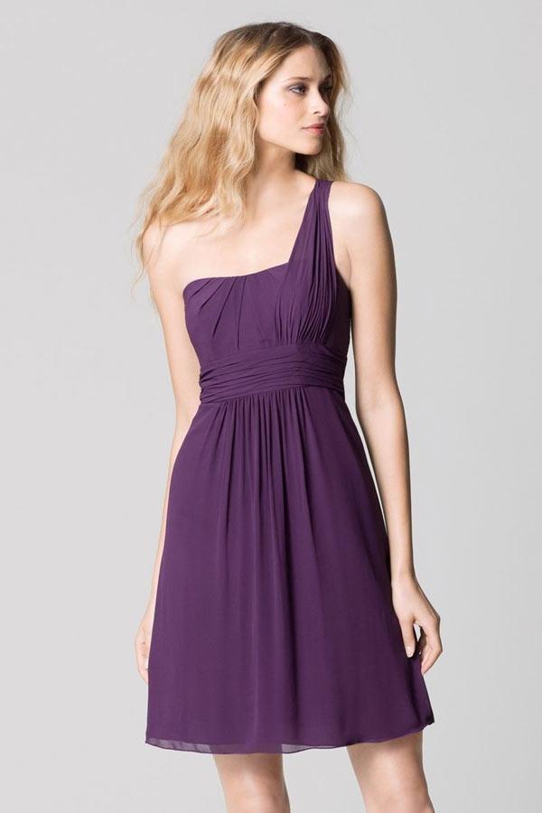 chic robe courte violet encolure asym trique pour cocktail mariage. Black Bedroom Furniture Sets. Home Design Ideas