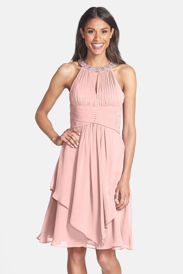 Robe de soiree rose courte