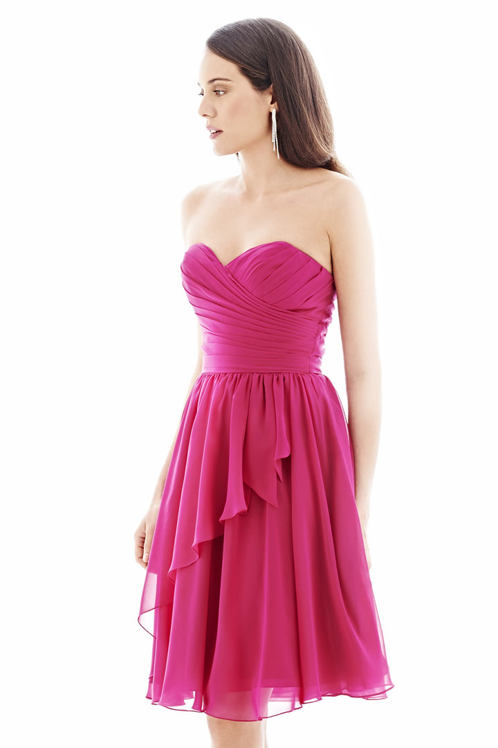 Robe fuchsia d 39 t bustier c ur pliss pour demoiselle d for Robes de demoiselle d honneur pour les mariages sur la plage