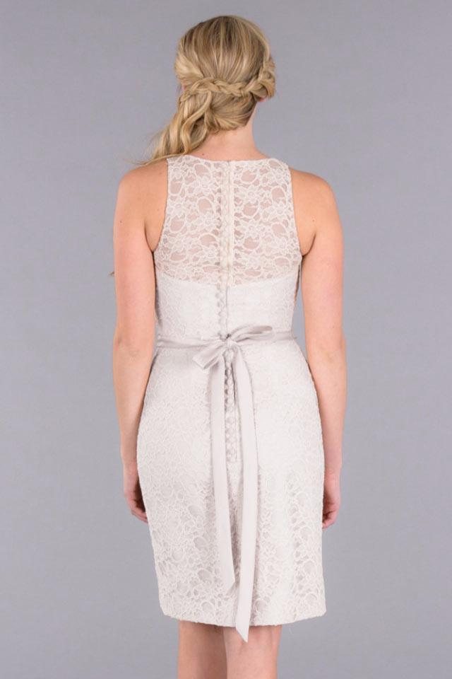 courte robe dentelle blanche moulante encolure illusion pour cocktail mariage. Black Bedroom Furniture Sets. Home Design Ideas
