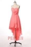 Vornes kurzes hintenes langes rosa Ballkleid mit dem Herzausschnitt aus Chiffon