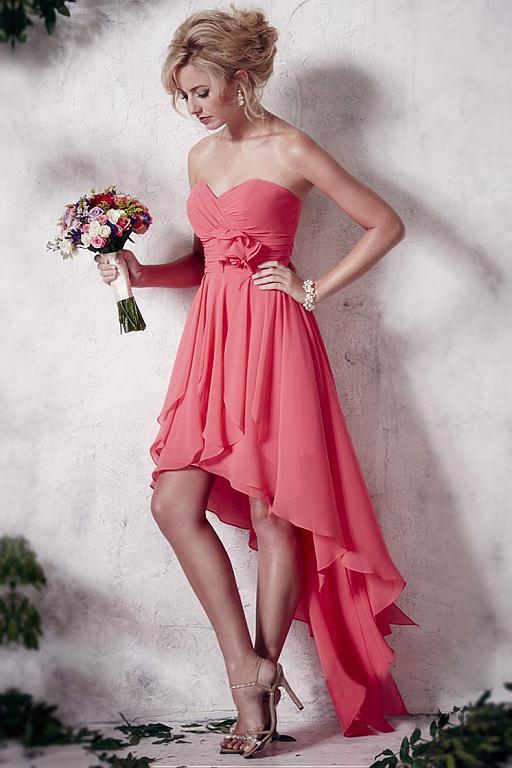 robe de bal corail courte devant longue derrière bustier cœur