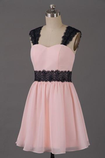 quality design 99e1b 9bf60 Günstig Kleines rosa Cocktailkleid mit schwarzem Spitze ...
