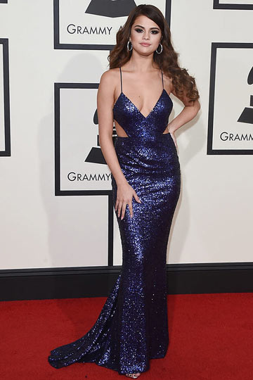 Sexy V-shaped long neckline celebrity dress with sexy sequin dives Selena Gomez at the Grammy Awards 2016
