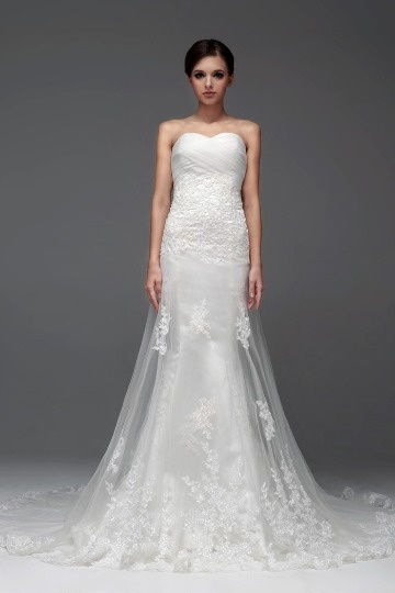 Elegant Strapless Sweetheart Applique Mermaid Tulle Wedding Dress