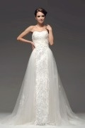 Ärmelloses Herz Ausschnitt Perlen Applikation Brautkleid mit Hof Schleppe