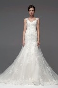 Classic Straps Lace Applique Beading Long Tulle Wedding Dress