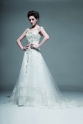 Elegantes A-Linie V-Ausschnitt mit Perle verziertes Brautkleider