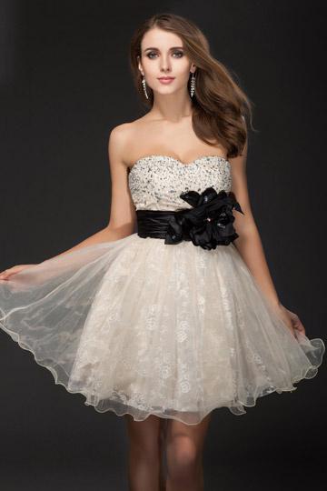 Vestido de Cóctel Escote Corazón Organza Apliques Corte A