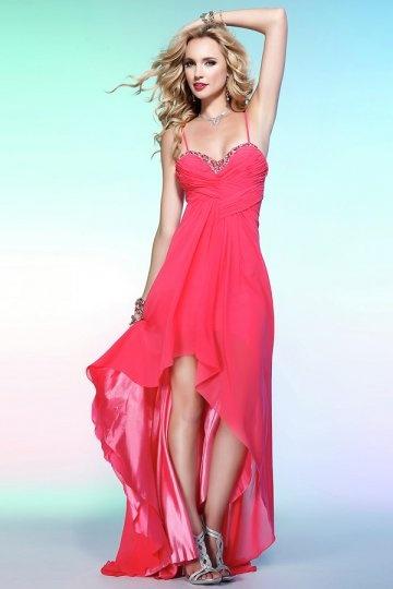 Robe rose courte devant longue derrière avec bretelles fines