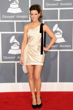 Robe de célébrité Kate Beckinsale une épaule écharpe en satin élastique