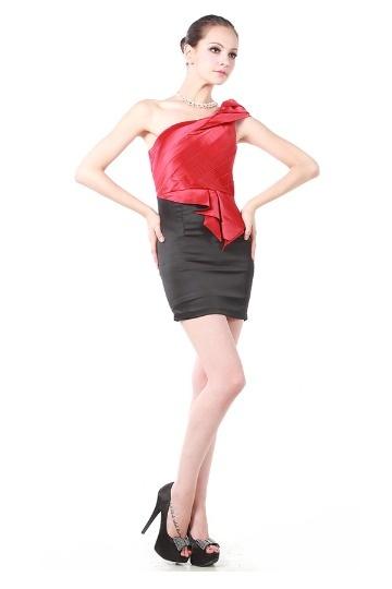 Vestido de cocktail curto um ombro contraste preto vermelho