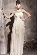 Vestido de Noche de Lyocell Crema con Escote Barco Volante plisado Abalorio Corte A