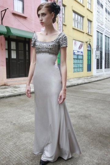 Etui Linie Carré Ausschnitt Perlen verziertes champagne Abendkleid Persun